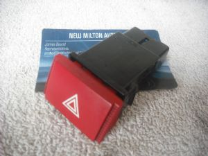 A GENUINE HYUNDAI GETZ  2003-2007 HAZARD WARNING LIGHT SWITCH